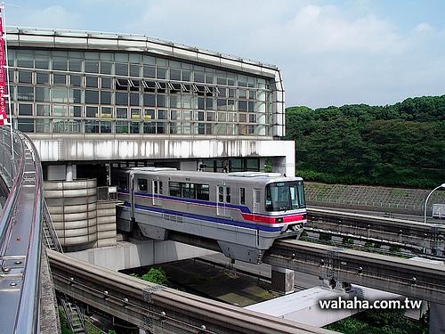 天天一車站:上演軌道切換秀的大阪單軌電車「万博記念公園駅」