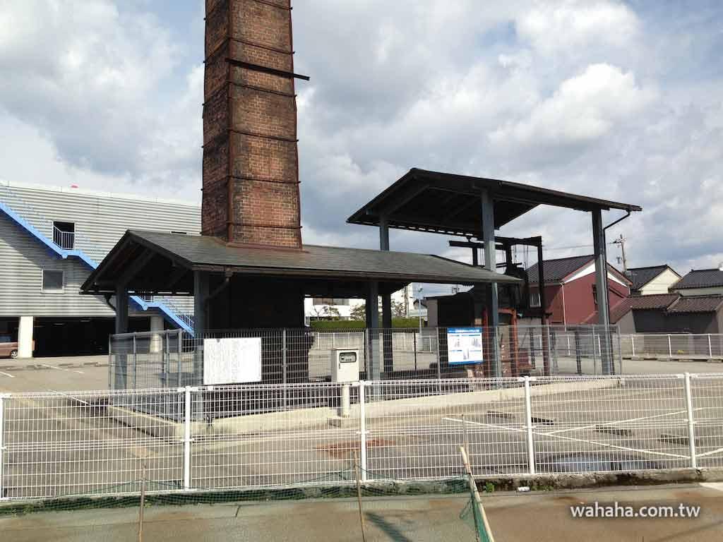 日本隨手拍:停車場裡的古蹟,高岡金屋町「旧南部鋳造所のキュポラ及び煙突」