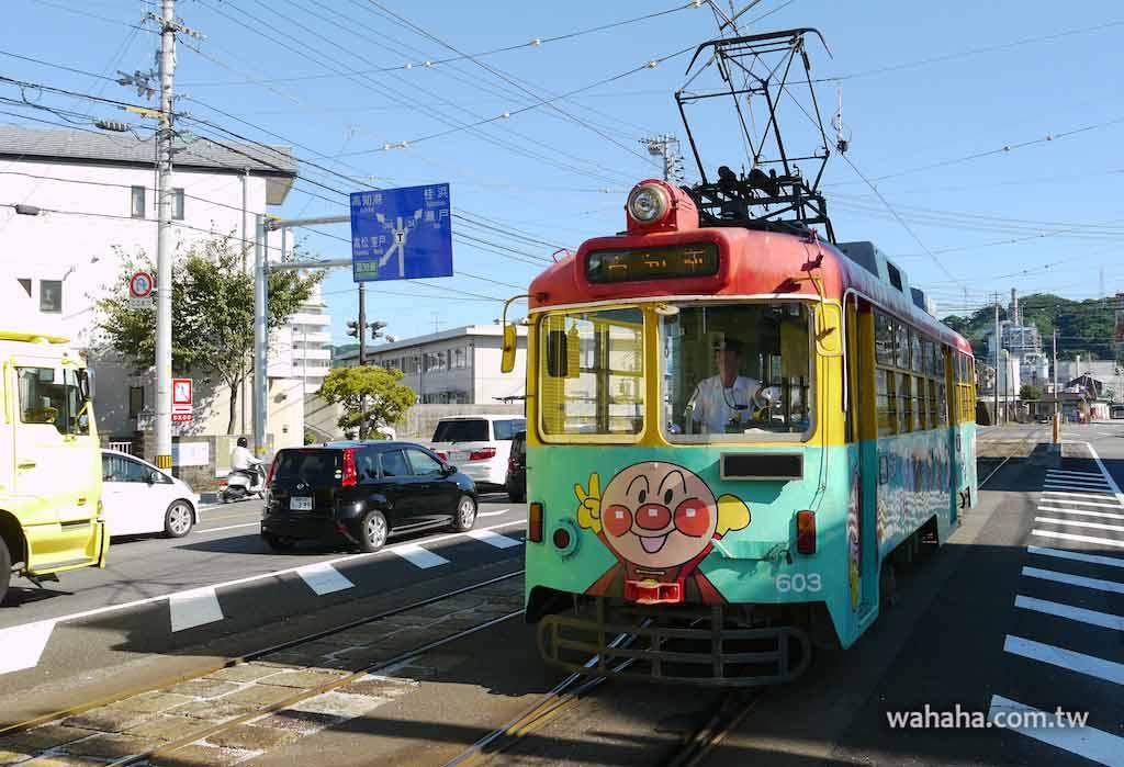 怒濤更新之路面電車(44):とさでん交通的麵包超人彩繪電車