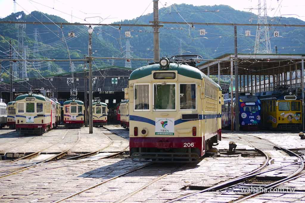 怒濤更新之路面電車(57):沒冷氣的路面電車(とさでん交通 206號)