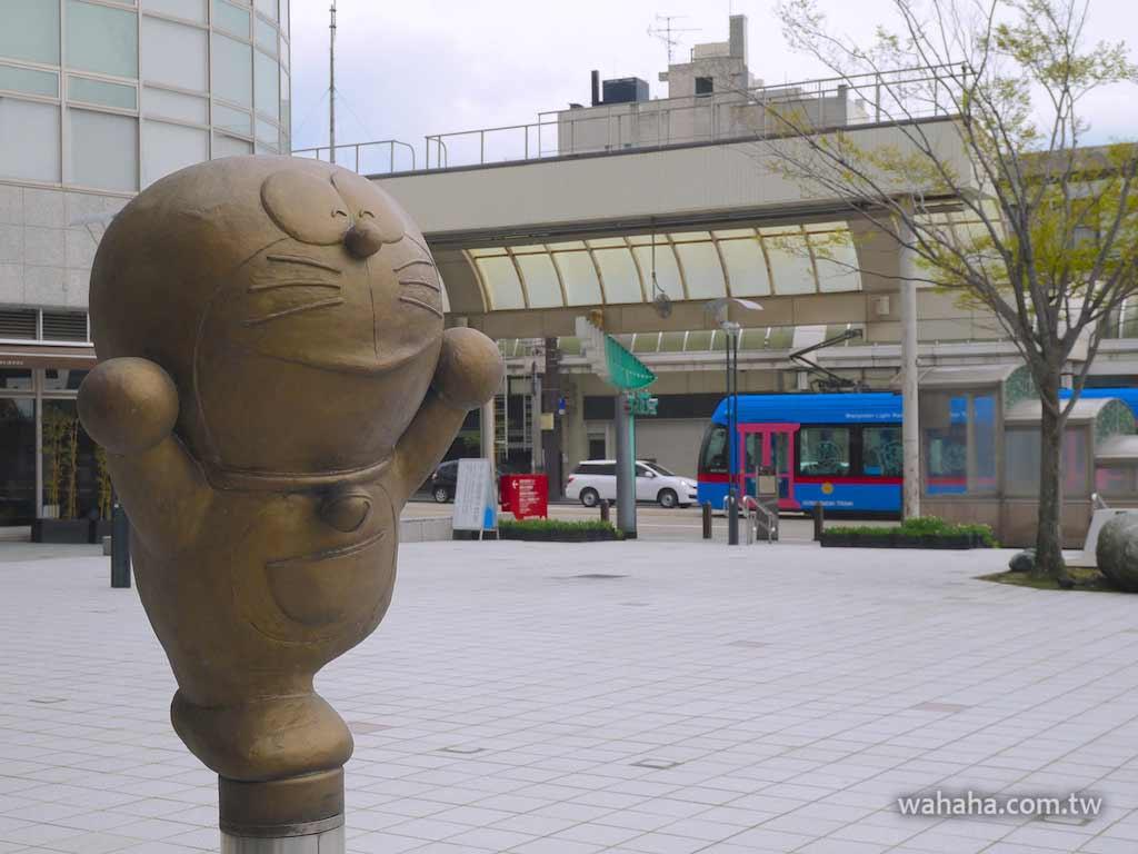怒濤更新之路面電車(72):高岡市ドラえもんの散歩道