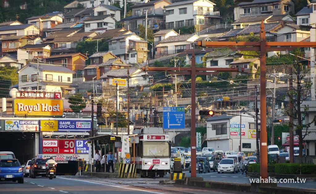怒濤更新之路面電車(91):車窗外的風景,長崎市山坡上的住宅